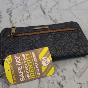 NWT Travelon RFID Blocking Womens Wallet